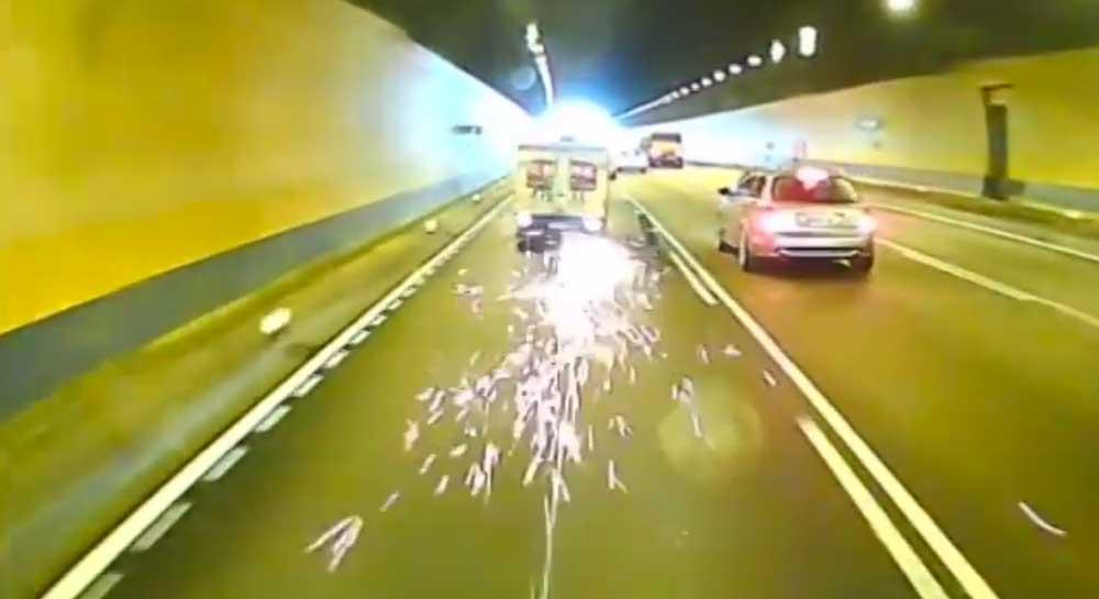 タイヤバースト….じゃなくて取れちゃったよ! 台湾の高速道路であわや大惨事な映像