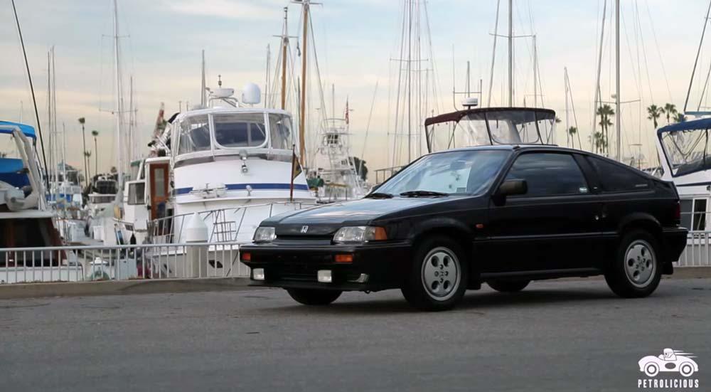 27年も乗ってるのに全く壊れない! 初めて新車で買った ホンダCR-Xを紹介する微笑ましい映像