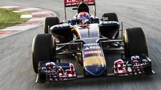 フェラーリよりカッコイイ? 2015年型トロ・ロッソ STR10