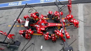 【F1】フェラーリのピット作業が早すぎワロタwww