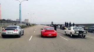 台湾の公道でドラッグレースしてみたら大惨事に