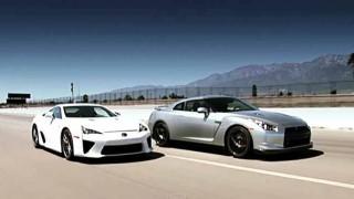 V10NAか、V6ターボか? レクサスLFAと日産GT-Rがドラッグレース対決! 速いのはどっちだ。