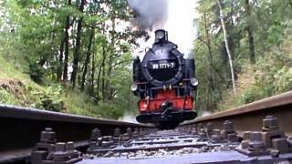 【動画】ぬわーっ! 轢かれる!ドイツの現役蒸気機関車が突っ込んで来る衝撃映像。