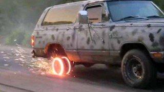 【衝撃】タイヤが無くなるまでバーンアウトするとこうなる